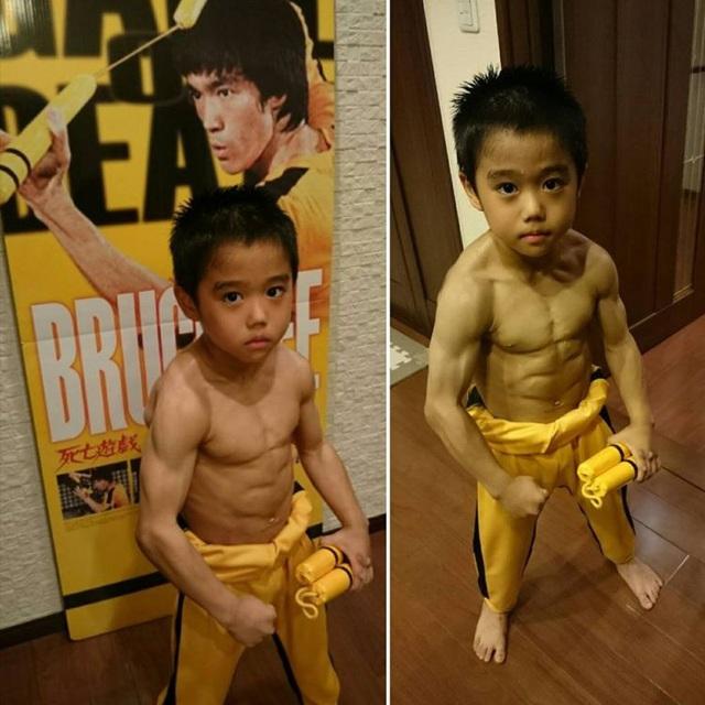 Cậu bé 8 tuổi múa côn y hệt Lý Tiểu Long khiến nhiều người kinh ngạc - 1