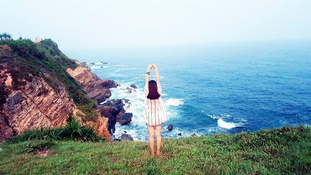 Huyện đảo Cô Tô được xếp vào một trong top 10 hòn đảo du lịch đẹp tại Việt Nam cùng với đảo Phú Quốc, đảo Nam Du, đảo Lý Sơn