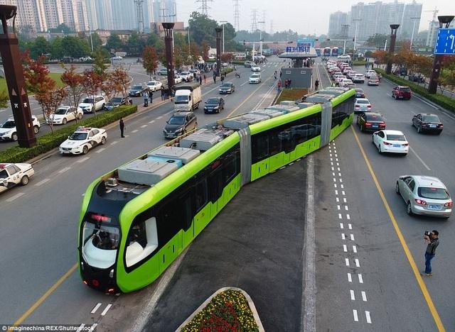 Tàu ART là sự kết hợp của tàu hỏa và xe bus, nhưng chạy trên đường ray ảo