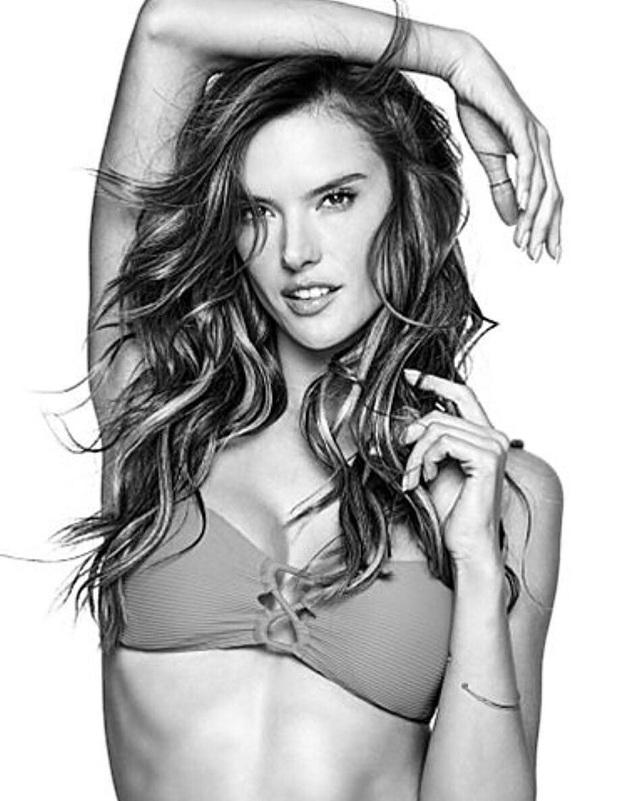 Alessandra vừa chính thức trở thành gương mặt quảng cáo cho nhãn hiệu thời trang LASCANA.