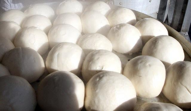 Một khách hàng đã nhầm lẫn khi trả gần 136 triệu đồng chỉ để mua một chiếc bánh bao có giá hơn 5.000 đồng. (Nguồn: Handout)