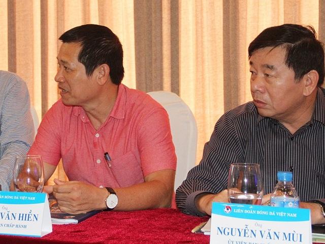 Trưởng Ban trọng tài Nguyễn Văn Mùi cũng nhận lệnh cấm tương tự từ VFF (ảnh: T.V)