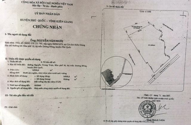 Giấy chứng nhận quyền sử dụng đất của ông Nguyễn Văn Mười do ông Thái Thành Lượm ký. Giấy đất không có số thửa, tờ bản đồ?