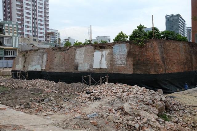 Đà Nẵng: Phát lộ một phần móng tường hào bị vùi lấp của thành Điện Hải - 2