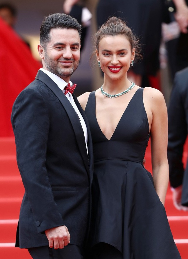 Irina sánh đôi cùng người đồng nghiệp Ali Kavoussi.
