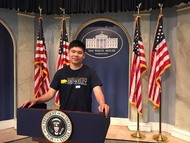 Cựu học sinh Trường Quốc tế Á Châu - Nguyễn Duy Hải Đăng với điểm GPA bậc trung học 4.2/4.0 đã đậu cùng lúc 4 trường đại học công lập danh tiếng Hoa Kỳ.