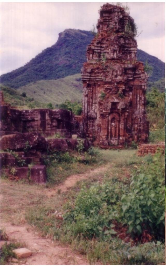 Mặt phía Bắc tháp B3 năm 1978