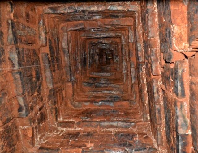 Khẩn trương trùng tu tháp Chăm cổ 1.000 năm tuổi - 4