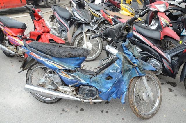 Cháy công trình đang xây trong Bệnh viện Việt Pháp, hàng trăm người tháo chạy - 7
