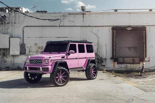 Mercedes-Benz G-Class hồng lạ mắt - 6