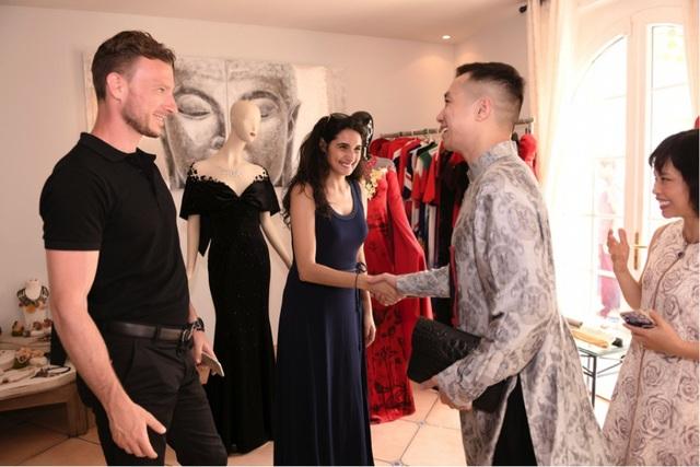 NTK cùng cặp đôi NTK người Pháp Esther guiz byesther cùng chồng của cô là người mẫu Jimmy Bagat.