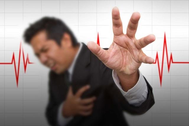 Những biến chứng nguy hiểm của cao huyết áp như tai biến mạch máu não, suy tim...