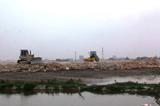 Chủ đầu tư cùng nhà thầu thi công tiến hành san lấp mặt bằng KCN Gián Khẩu mở rộng 50ha khi chưa được UBND tỉnh Ninh Bình có quyết định bàn giao đất.