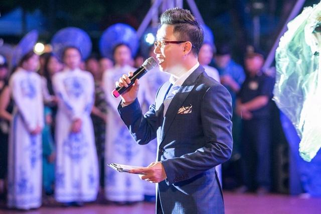 MC Trịnh Lê Anh cũng góp mặt với tư cách người dẫn chương trình.