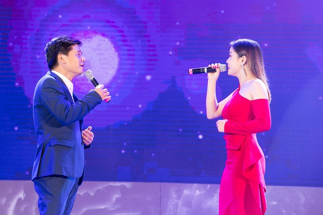 """Thanh Lam, Ngọc Anh """"đội mưa"""" hát khai trương phố đi bộ Trịnh Công Sơn - 6"""