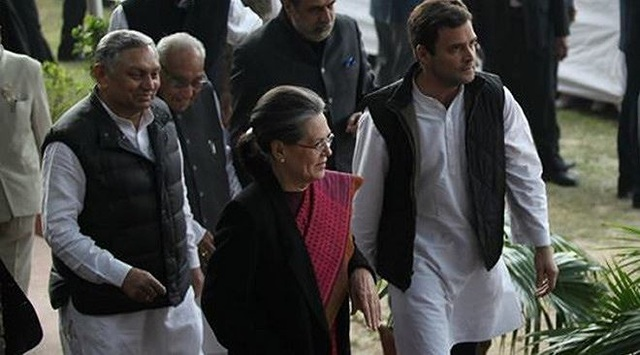 Rahul Gandhi và mẹ là bà Sonia