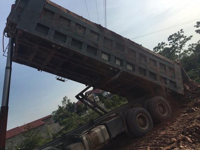 Các trường hợp phải hạ tải, cắt thùng ngay tại chỗ khi lực lượng CSGT Công an tỉnh Bắc Giang kiểm tra, phát hiện sai phạm.