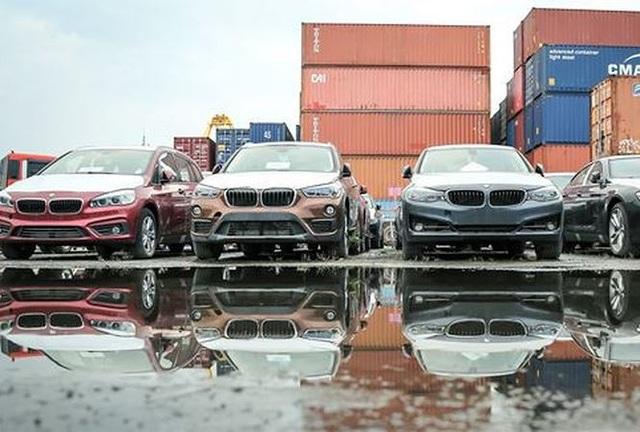 Lô xe BMW nằm cảng Sài Gòn sẽ được tái xuất về Đức