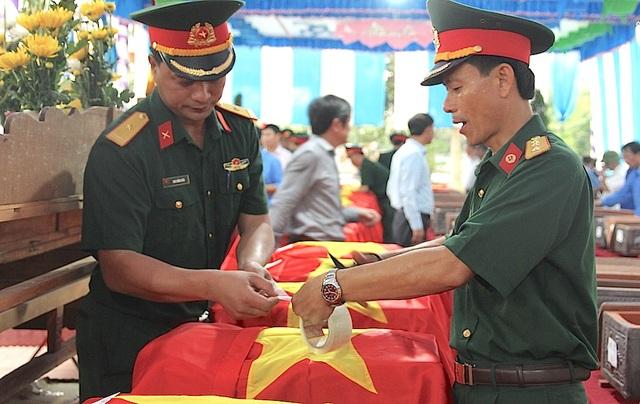 Ban công tác đặc biệt của tỉnh Nghệ An cùng 3 tỉnh Xiêng Khoảng, Viêng Chăn và Xây Xổm Bun (Lào) đã tổ chức trọng thể lễ truy điệu và lễ cầu siêu cho các liệt sỹ quân tình nguyện và chuyên gia Việt Nam đã anh dũng hy sinh vì nhiệm vụ quốc tế cao cả.