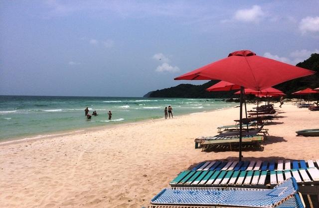 Bãi Sao cũng có cát trắng, nước biển xanh ngọc bích