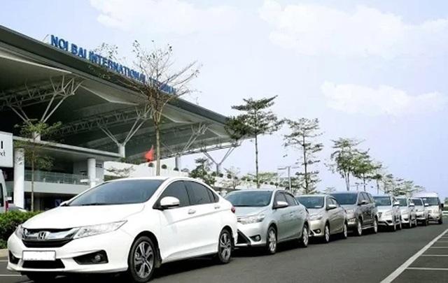 Taxi đi Nội Bài 180.000 đồng: Tung chiêu hạ giá tranh khách - 1