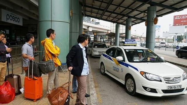 Taxi đi Nội Bài 180.000 đồng: Tung chiêu hạ giá tranh khách - 2