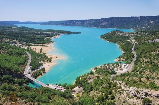 Những hồ nước quyến rũ nhất nước Pháp - 4
