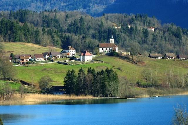 Những hồ nước quyến rũ nhất nước Pháp - 6
