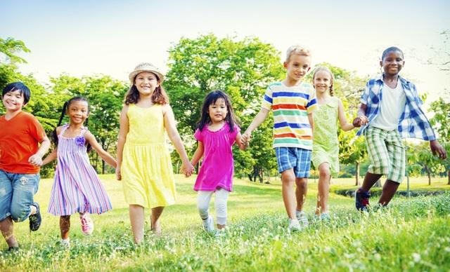 Trẻ cần được chăm sóc để tăng trưởng khỏe mạnh ngay từ những năm đầu đời