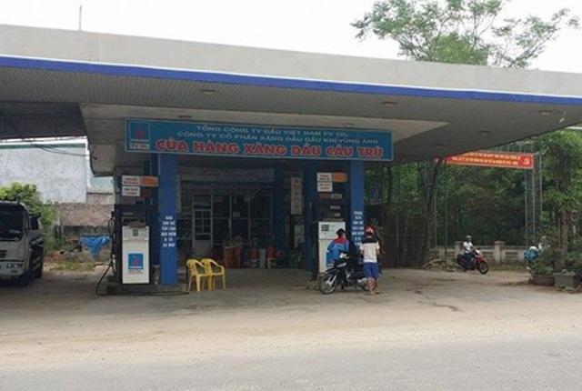 Cây xăng Cầu Trù ở xã Phù Lưu của Công ty TNHH Dũng Hường từng bị tạm đình chỉ vì gian lận trong kinh doanh xăng dầu