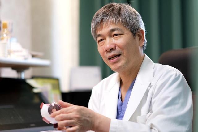 Chân dung Bác sĩ Bùi Tiến Hùng.