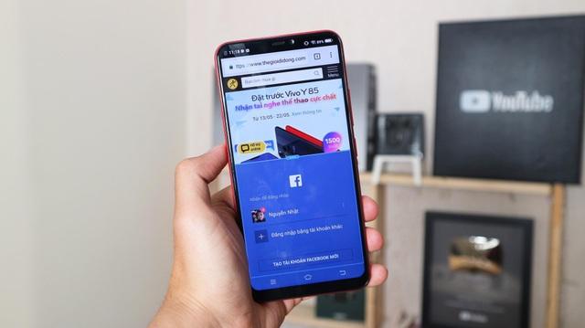 Các ứng dụng Facebook, Line, Viber… đều được hỗ trợ tính năng Smart Split, cho phép người dùng thao tác cùng lúc 2 khung hình