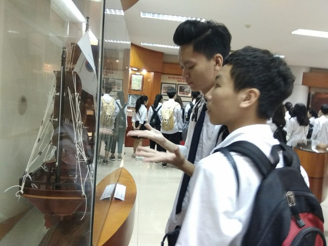 Học sinh lớp 10 trải nghiệm một ngày làm sinh viên ĐH Bách khoa Hà Nội - 2