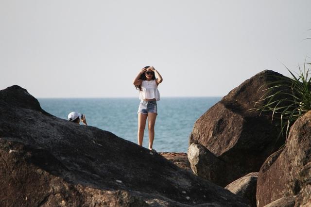 Khám phá những khung cảnh tuyệt đẹp ở bãi đá cao nhìn xuống biển