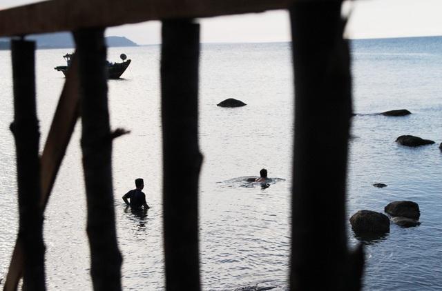 Không gì thoải mái hơn được ngụp lặn ở bãi biển hoang sơ
