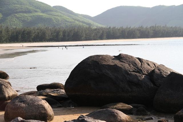 Mê mẩn nét đẹp hoang sơ biển Lộc Bình - 5