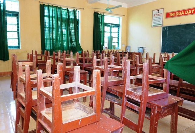 Từ ngày 27/4, nhà trường không cho học sinh vào học tại dãy nhà 2 tầng