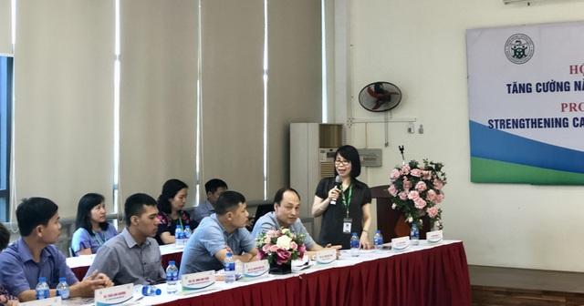 GS.TS Bùi Thị Thu Hà chia sẻ tại hội thảo.