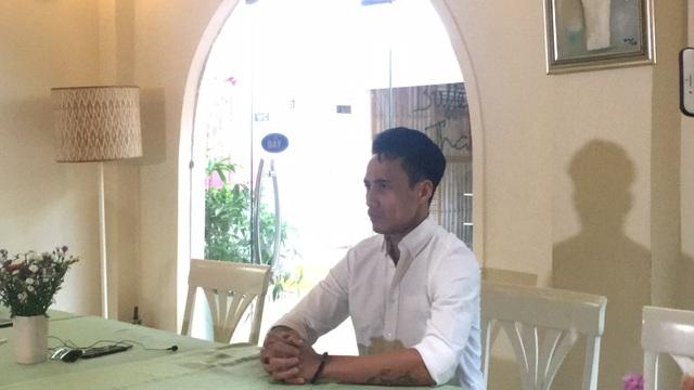 Trong trạng thái khá căng thẳng, Phạm Anh Khoa đã gửi lời xin lỗi đến khá nhiều người