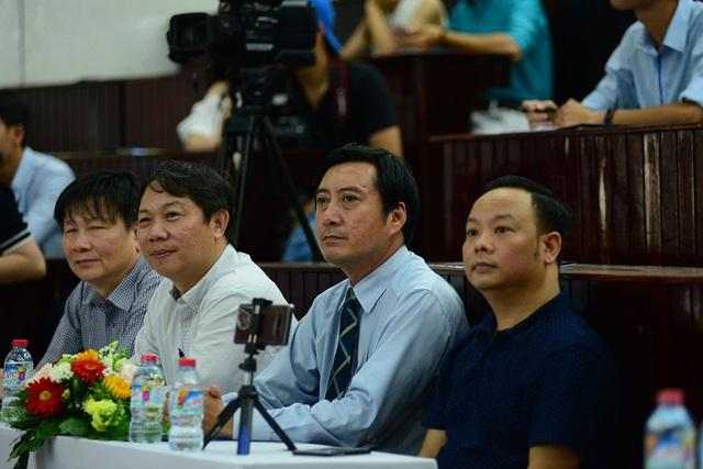 Đến dự buổi giao lưu có sự tham gia của các đại biểu: Ông Dương Anh Đức, Giám đốc Sở Thông tin và Truyền thông TPHCM; Thầy Trần Lê Quan, Phó hiệu trưởng trường ĐH Khoa Học Tự Nhiên...