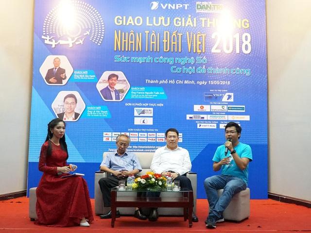 Giao lưu giữa Ban tổ chức, Ban giám khảo Giải thưởng Nhân tài Đất Việt và các bạn sinh viên TPHCM