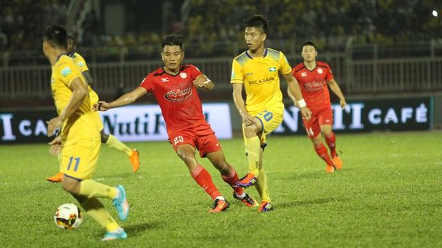 Phan Văn Đức (20) ghi bàn, đưa SL Nghệ An vào bán kết cúp quốc gia