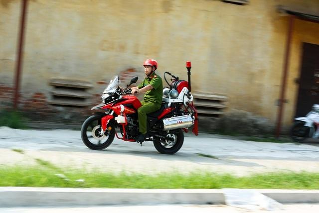 Môtô phân khối lớn cứu hỏa chuyên dụng mới có ở Việt Nam - 10