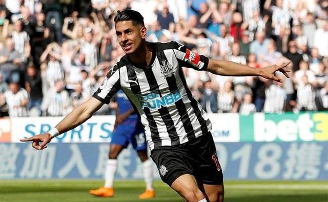 Ayoze Perez tỏa sáng giúp Newcastle vùi dập Chelsea