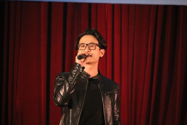 Trước khi theo nghiệp ca sĩ, Hà Anh Tuấn là học sinh chuyên Hóa. Anh từng đỗ 2 trường ĐH và đi du học ở Đức chuyên ngành Hóa học. (Ảnh: Lý Nguyên)