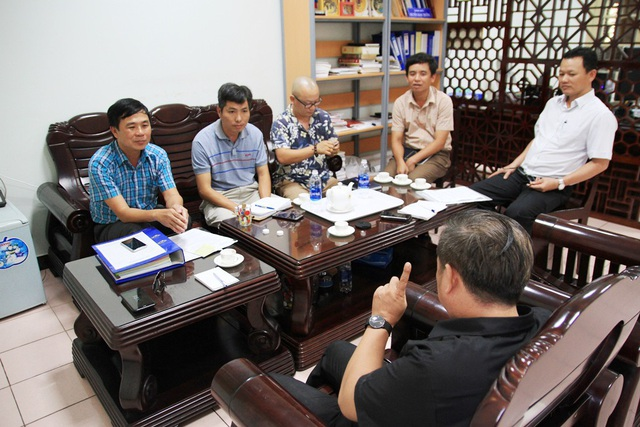 Các báo làm việc với Ban Quản lý dự án Đầu tư xây dựng Công trình giao thông tỉnh Thừa Thiên Huế