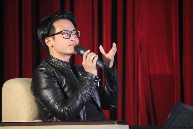 Ca sĩ Hà Anh Tuấn dành lời khuyên cho sinh viên trẻ (ảnh Lý Nguyên)