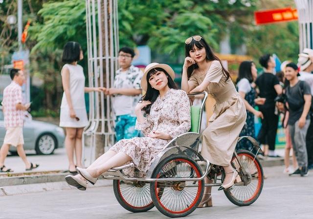 Kỷ yếu đậm chất... tổ dân phố của học sinh Quảng Ninh - 12
