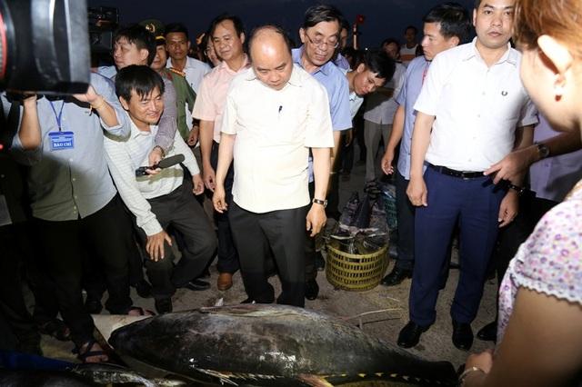 Thủ tướng vui mừng trước việc bà con ngư dân đã ổn định cuộc sống