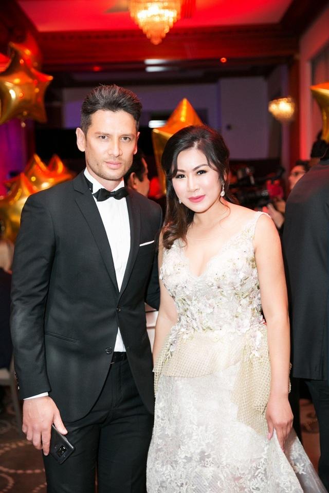 Cindy Mai Anh Trần và Trương Thị May hội ngộ nhiều ngôi sao nổi tiếng thế giới.